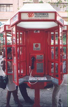 "Telephone Manquehue payphone, classic design.</BR></BR><span class=""date-display-single"" property=""dc:date"" datatype=""xsd:dateTime"" content=""1997-04-01T00:00:00+00:00"">Apr 01, 1997</span>"
